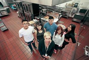 Capital High program pairs Santa Fe chefs with students