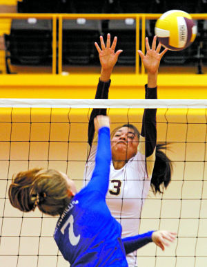 Prep roundup: Lady Horsemen keep tournament hopes alive