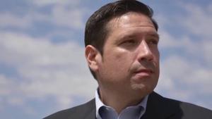 Gonzales accuses Bushee of 'sour grapes'