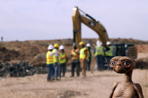 Diggers find Atari's E.T. games in landfill