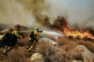 Southern California wildfire grows extensively