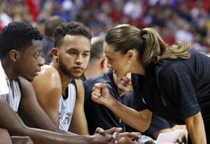 Hammon makes her summer league coaching debut for Spurs