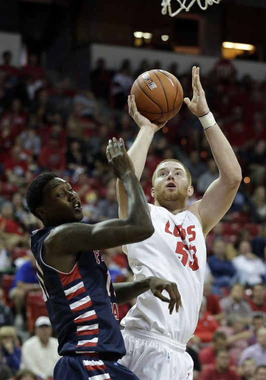 Lobos beat Fresno State 93-77, advance to semis