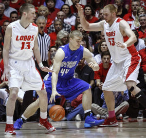Lobos blast Air Force 80-52, honor three upperclassmen