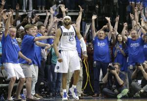 Carter beats buzzer, sends Mavs past Spurs 109-108