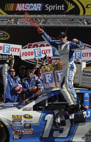 Carl Edwards wins Sprint Cup Series race at Bristol Speedway