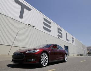 Tesla shares fall further on Model S fire
