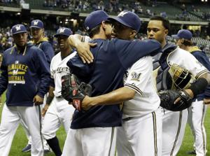 Craig Counsell hired as Brewers manager after poor start