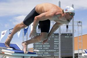 Phelps taking different training approach in comeback
