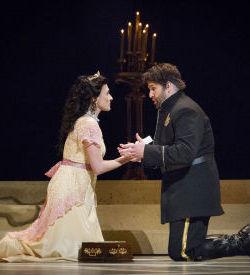 <p>Abla Lynn Hamza and Alex Richardson; photo Lance Ozier/Opera Southwest</p>