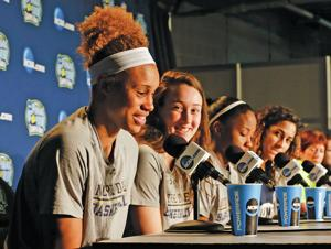 UConn, Notre Dame set for women's championship game rematch