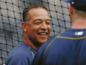 Dodgers hire Dave Roberts as team's 1st minority manager