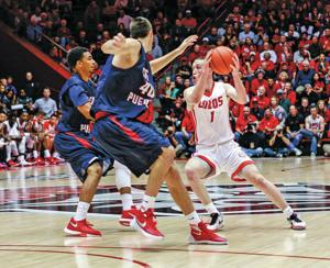 Neal scores 33, UNM struggles in exhibition win over Colorado State-Pueblo