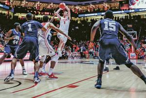 Lobos get rattled, but still beat Oral Roberts