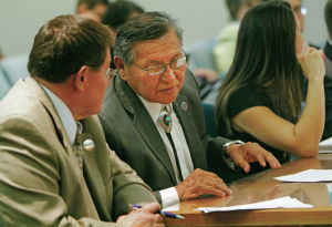 Lawmakers ask gov. to renegotiate Navajo gaming deal