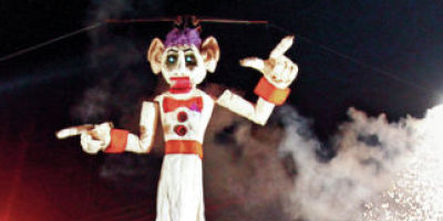 <p>Fort Marcy Park fills with locals and visitors to watch the annual burning of Will Shuster's Zozobra on Sept. 8, 2011. The Kiwanis Club of Santa Fe is planning to file a special events permit to move event to the Friday before Labor Day. Natalie Guillén/The New Mexican</p>