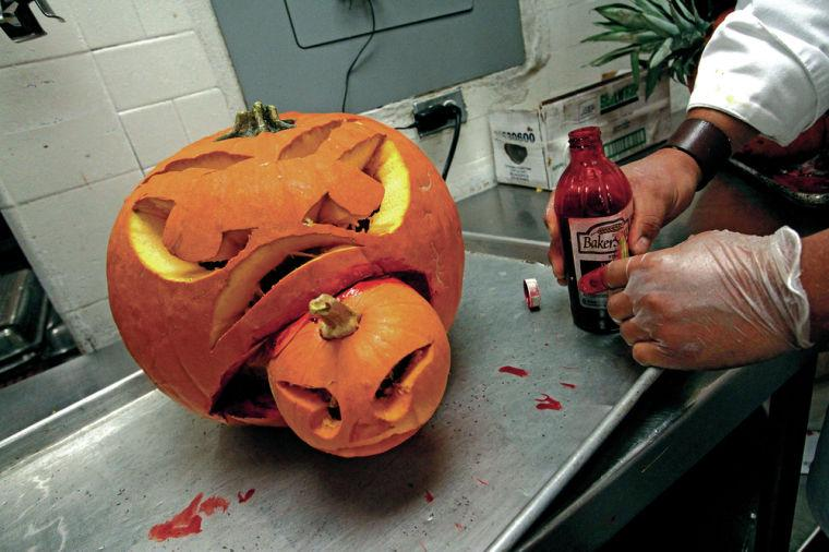 Pumpkin Carving Sparks Cutthroat Competition At La Fonda The Santa Fe New Mexican Local News