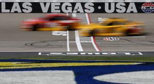 Brad Keselowski passes Kyle Busch late to win at Las Vegas