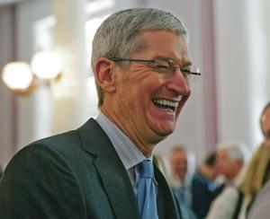 Apple CEO says he is gay