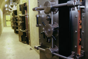 LANL shows once-secret underground vault