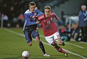 Bendtner hat trick gives Denmark 3-2 exhibition win over U.S.