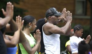 Chicago group answers street violence with yoga