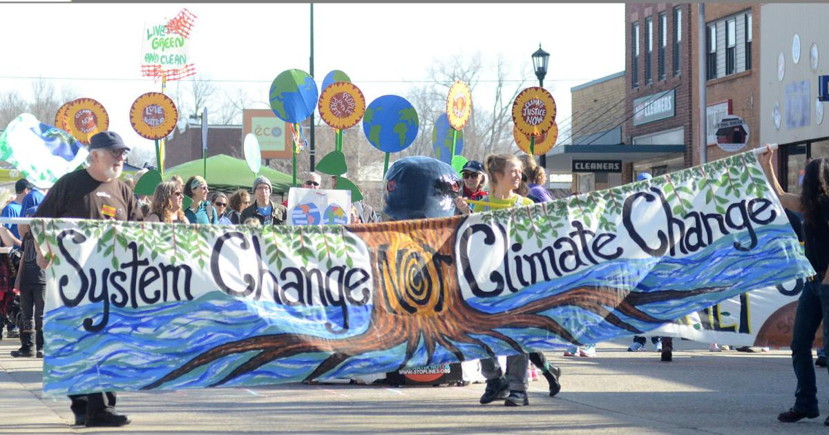 GALLERY: Northfield gathers downtown to celebrate Earth Day