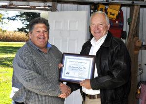 Congressman John Kline receives Farm Bureau Federation Award