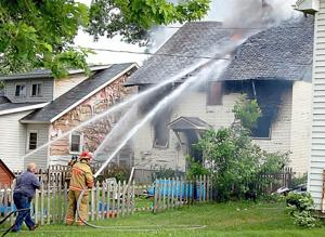 Firefighters respond to fire in Ellendale