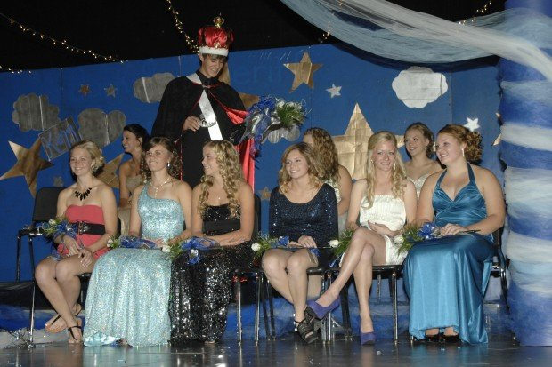 Marshall Friese crowns Shari Sahl Homecoming Queen