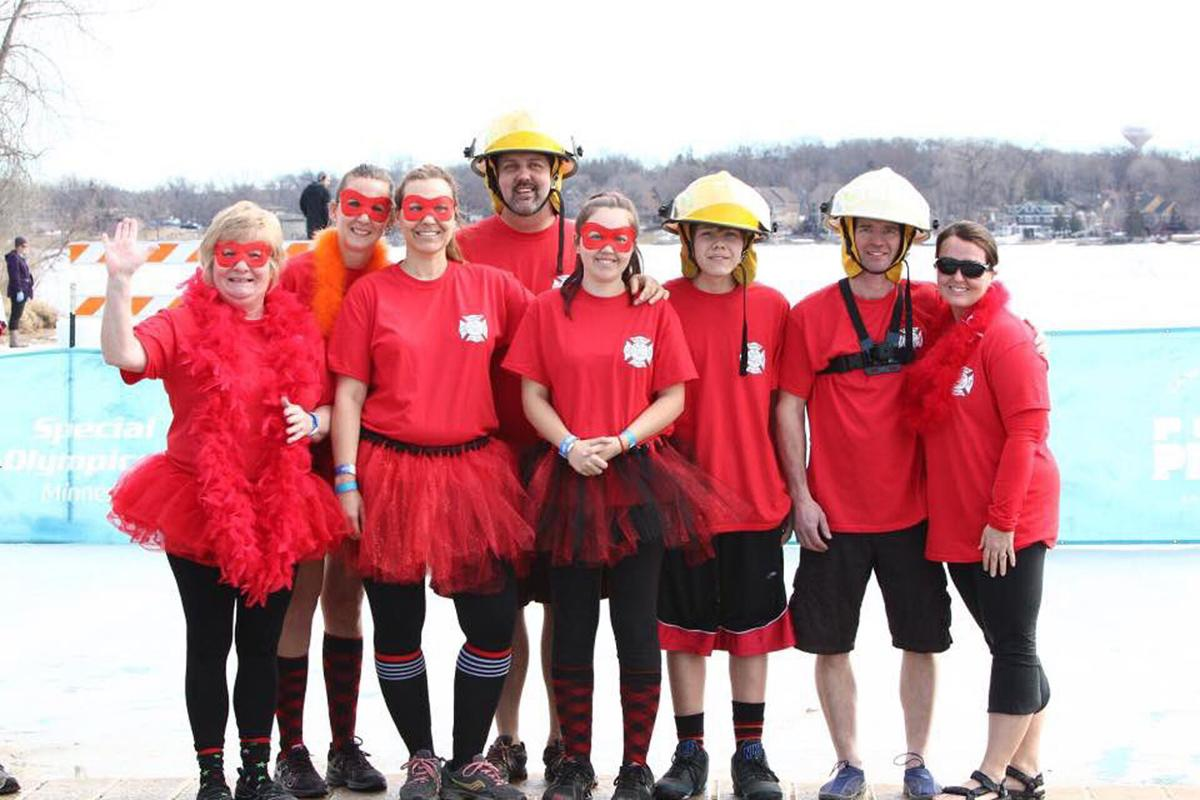 Kenyon Volunteer Firefighters and family take part in Polar plunge in Prior Lake