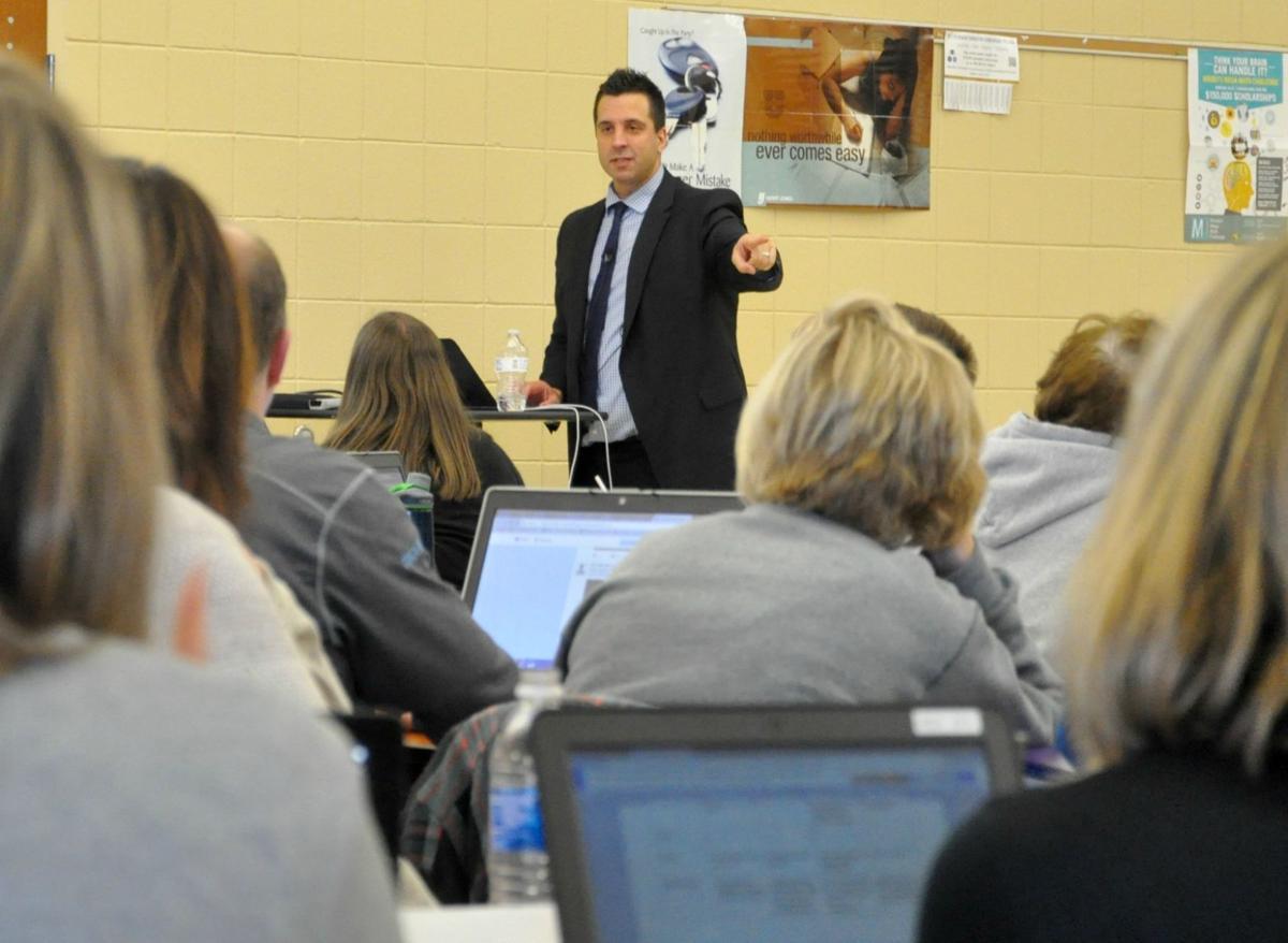 TCU faculty schooled on benefits of technology, social media
