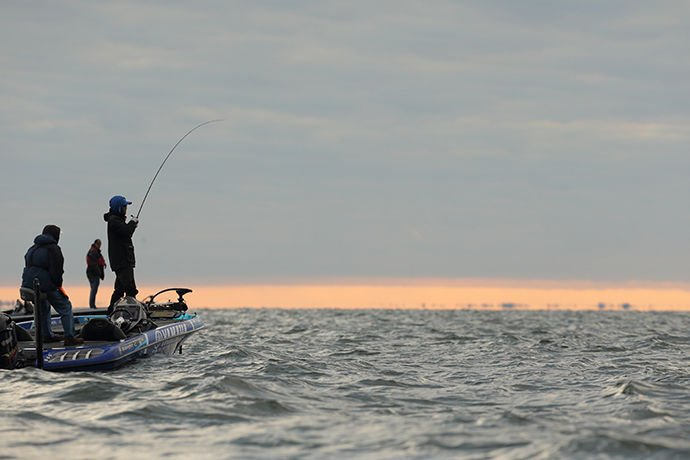 Bassmaster pros glowing over mille lacs fishing for Mille lacs lake fishing