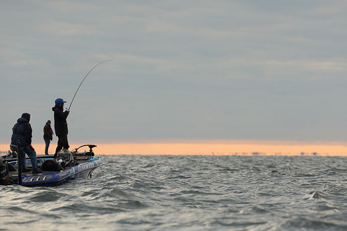Bassmaster pros glowing over mille lacs fishing for Mille lacs fishing
