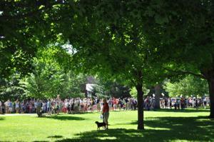 Carleton Reunion: watching the parade