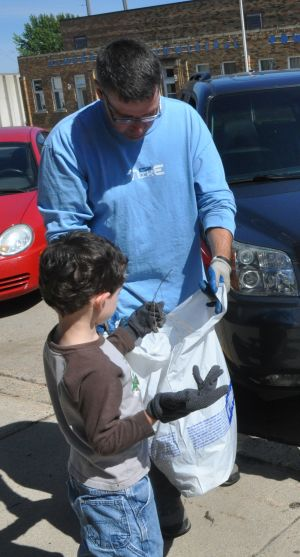 Janesville residents clean up Main Street