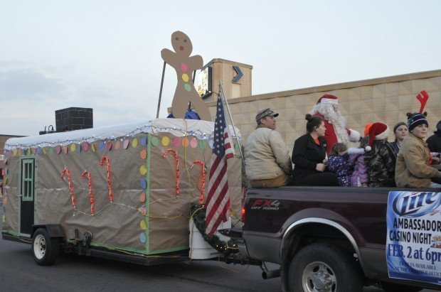 Fish house parade gets warm welcome news for Fish house lights