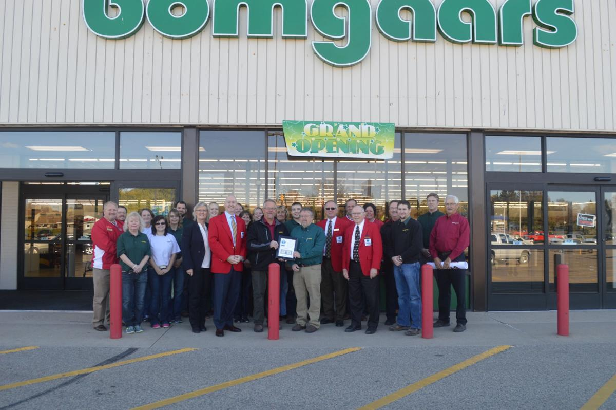 Waseca bomgaars holds grand opening news for Bomgaars