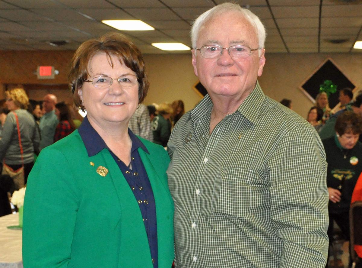 Hundreds turn out to meet Le Center's St. Patrick's Day grand marshals