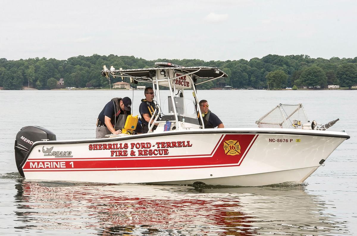 One Diver Missing Two Others Injured In Lake Norman