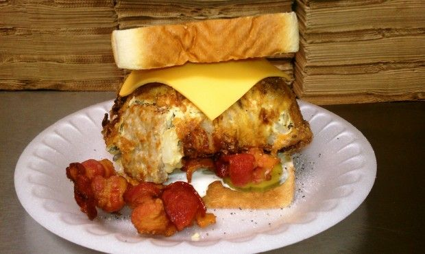 The Angry Bird St. Paul Sandwich : Places