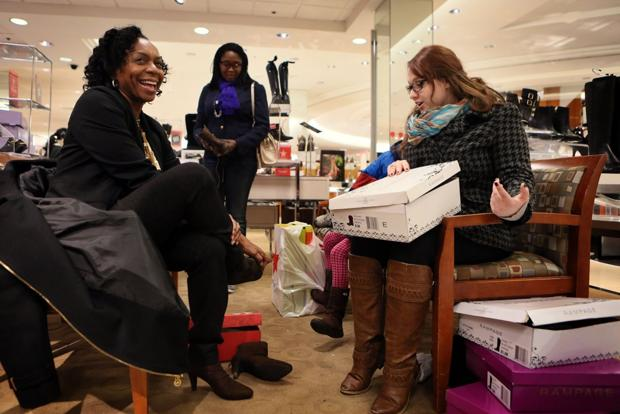 Shoppers hit stores across St. Louis early ahead of Black Friday