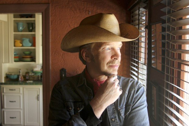 Singer-songwriter Dave Alvin. Photo by Beth Herzhaft