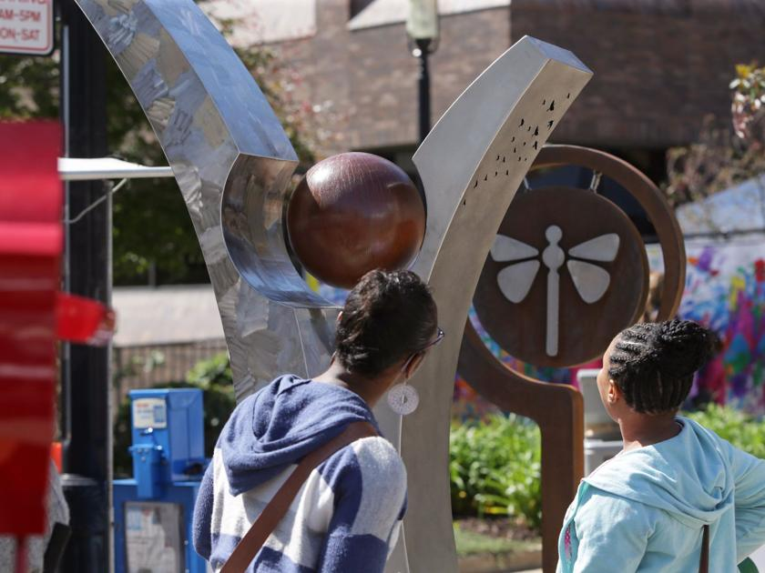 Sculpture exhibit brings art, visitors to downtown Bethel