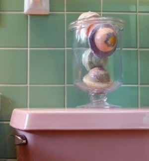 Preserve the pink: How to enhance the retro bathroom's charm ...