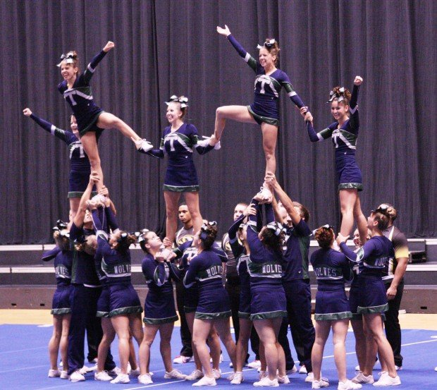 Wolves Cheerleaders Top State Competition Suburban