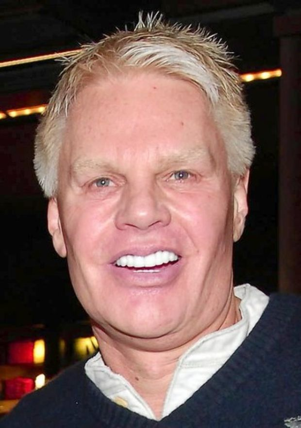 Mike jeffries 69 year old abercrombie amp fitch co chief executive
