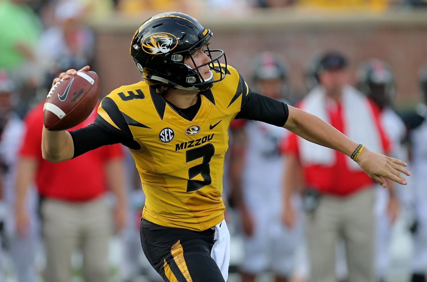 Lock's skills suited to boost Mizzou's air attack