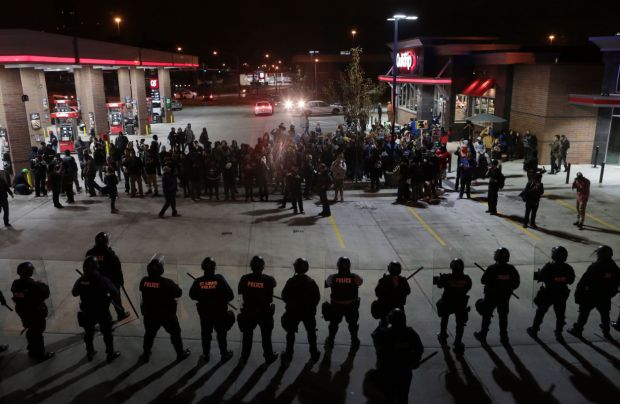 Protesters target QuikTrip on South Vandeventer