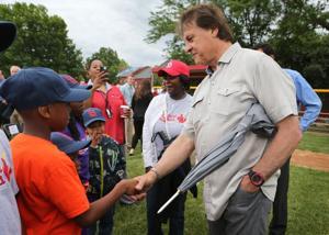 La Russa helps dedicate St. Louis baseball field